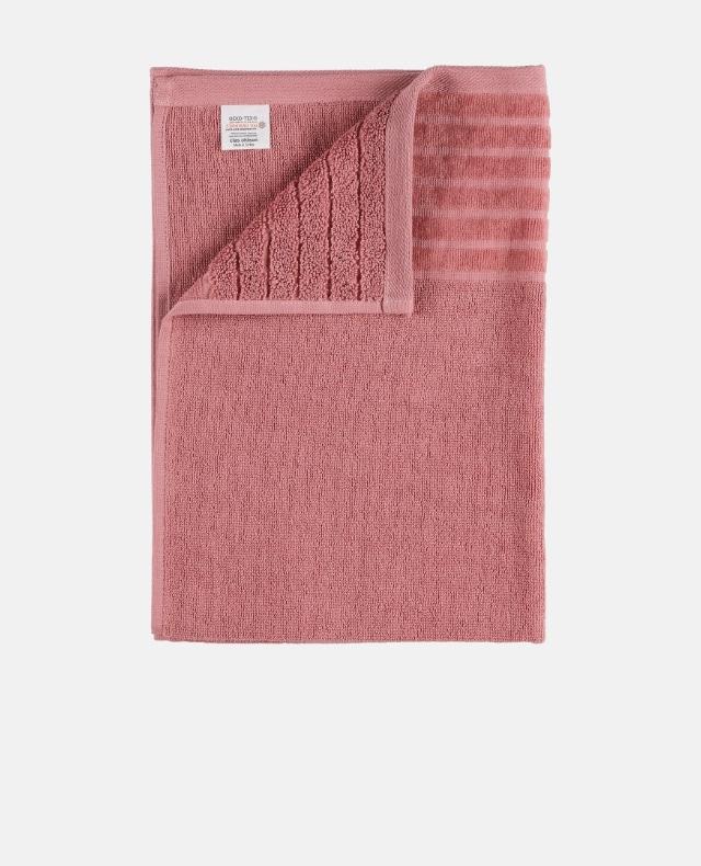 Preppa med rena handdukar hemma