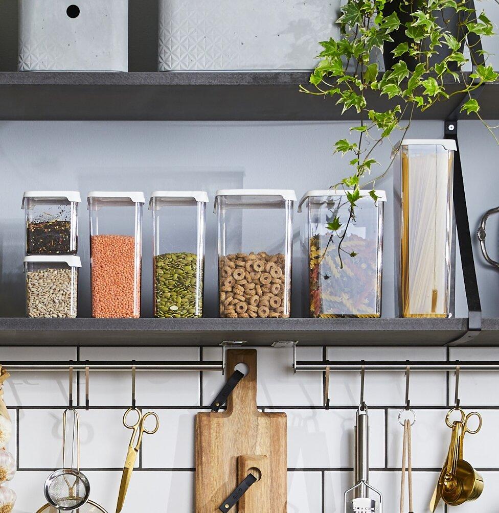 Håll maten fräsch längre - och hitta enklare i kylskåpet