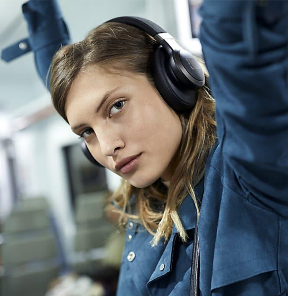 Behöver du brusreducerande hörlurar för att få jobba ifred?