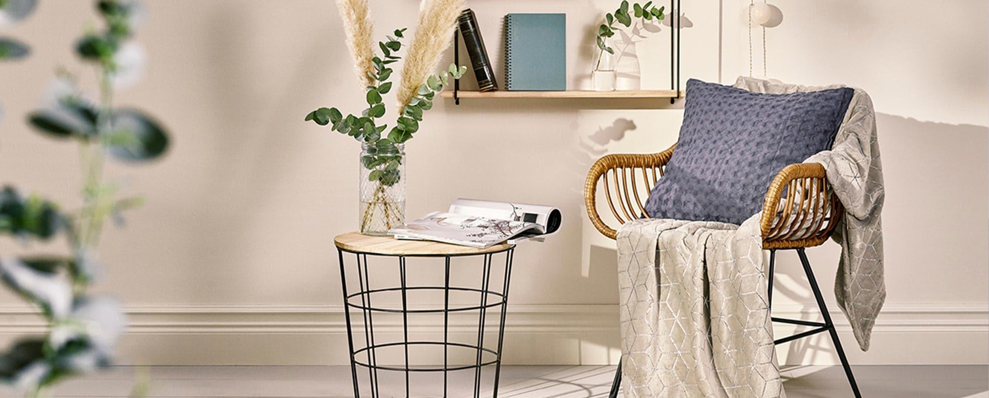Utforska vårt sortiment av småmöbler