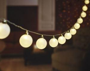 Paristokäyttöinen valoketju