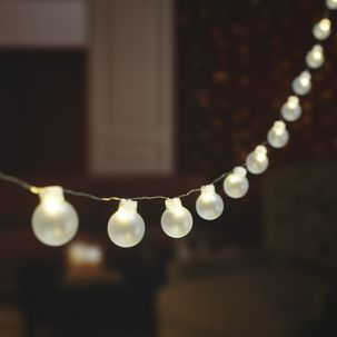 Battery-Powered String Light