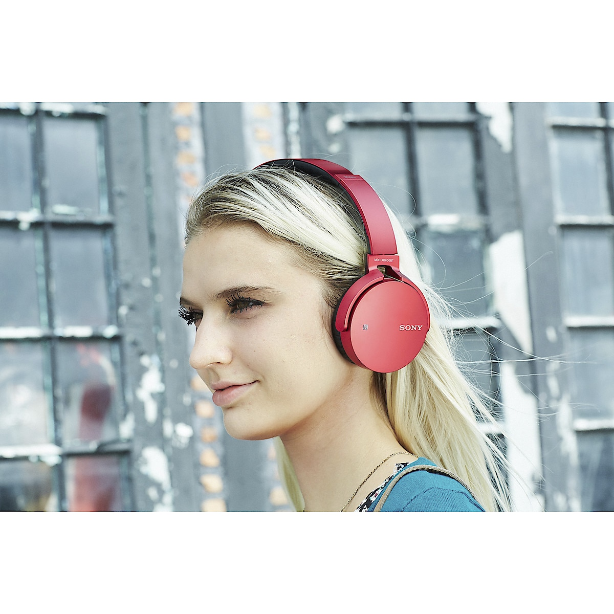 Sony MDR-XB650BT Bluetooth Headphones with Microphone