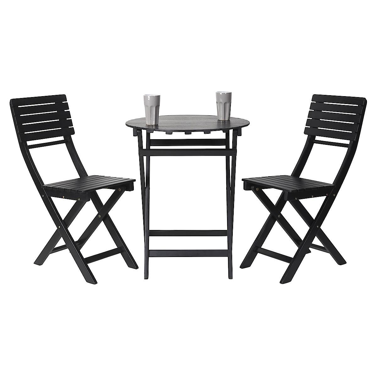 Utemöbler med bord och två stolar