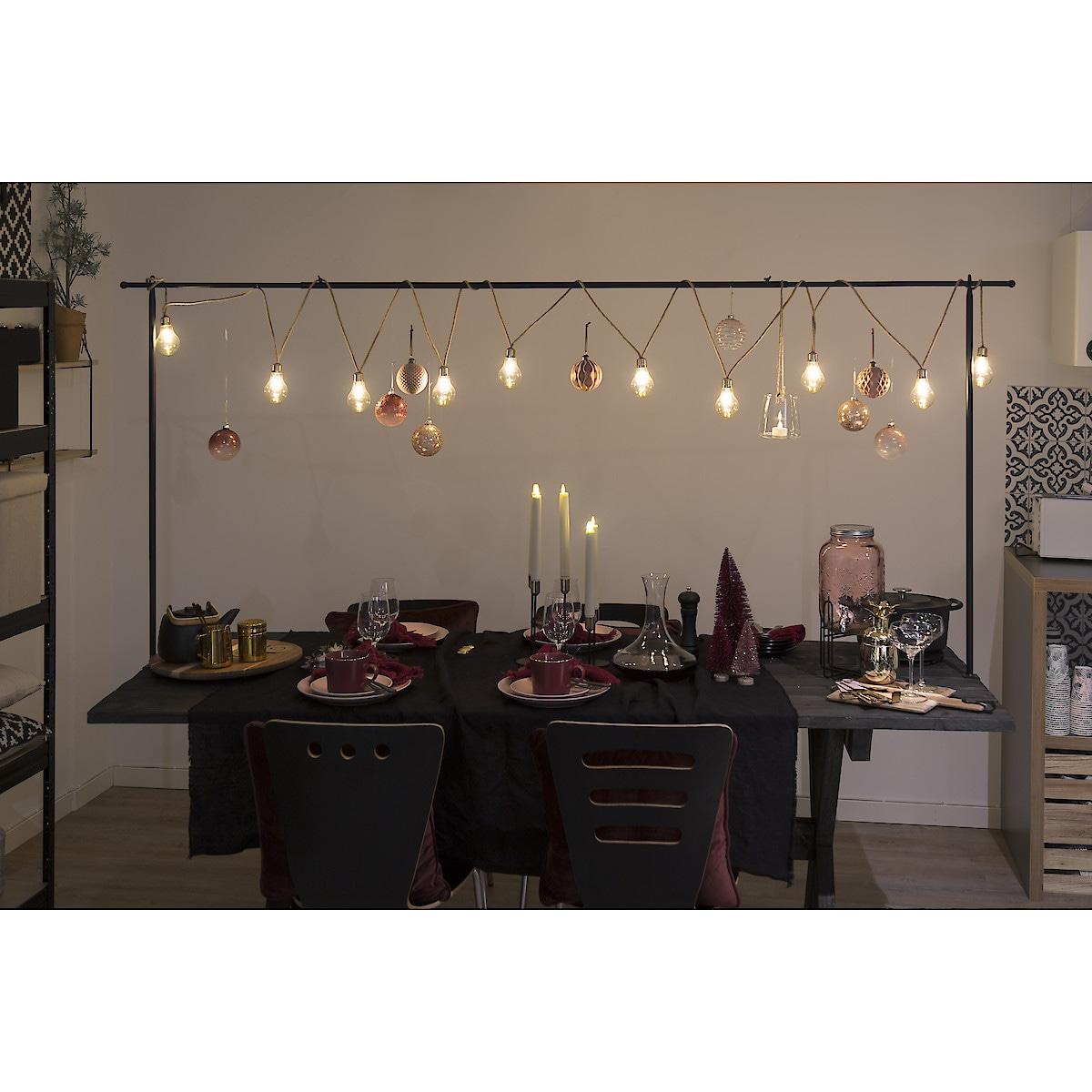 Koristeteline pöydälle
