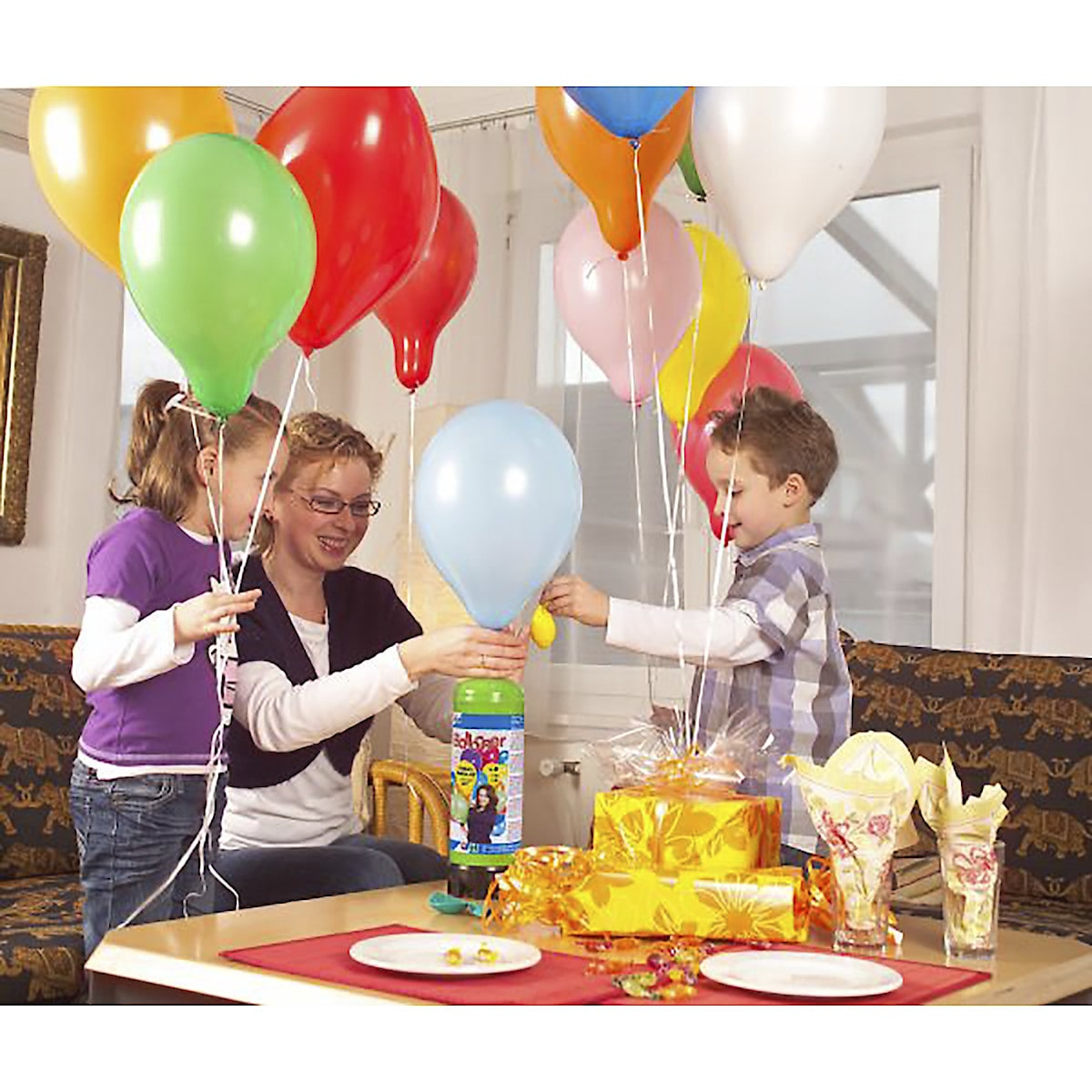 Heliumkit mit Luftballons