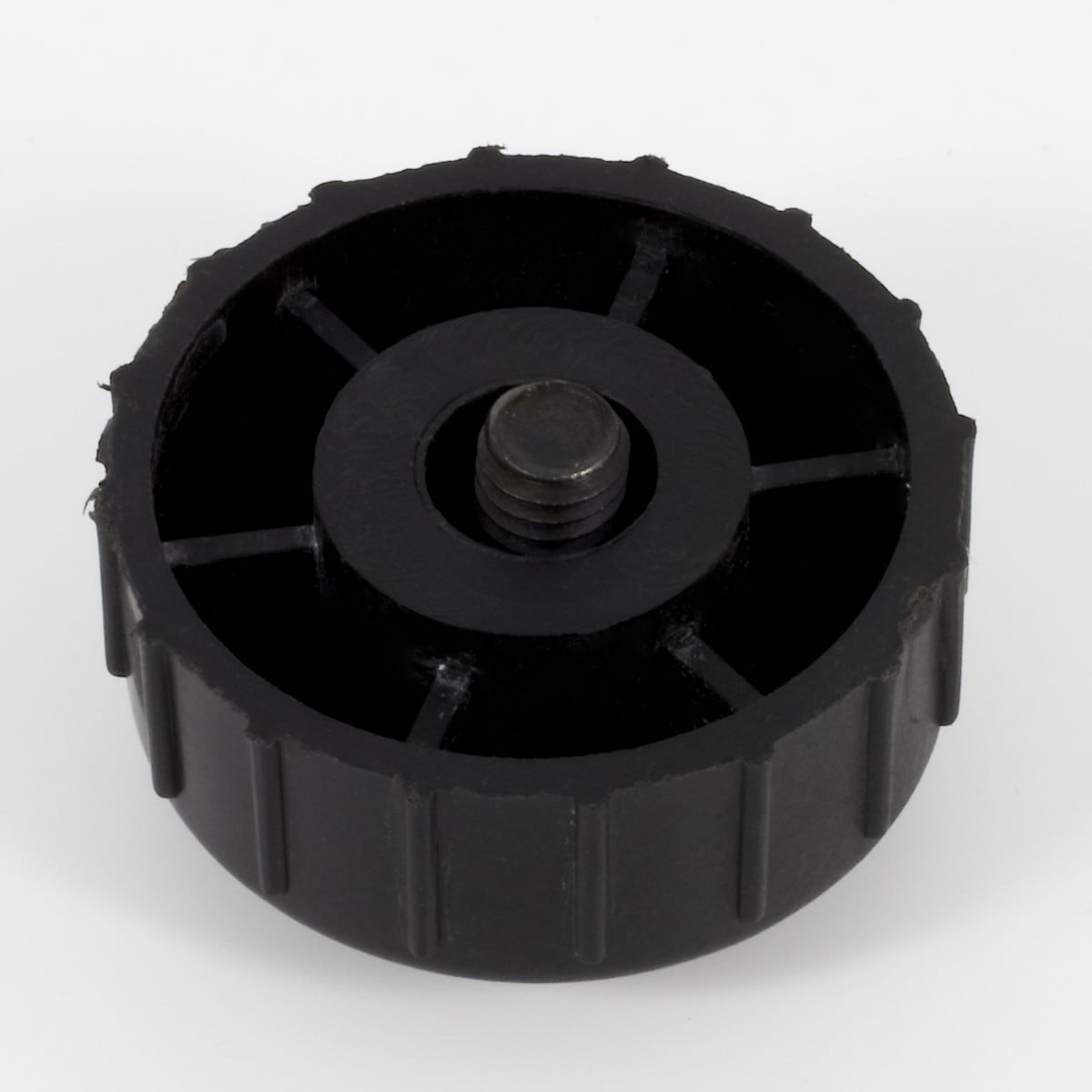 Bolt for trimmer head