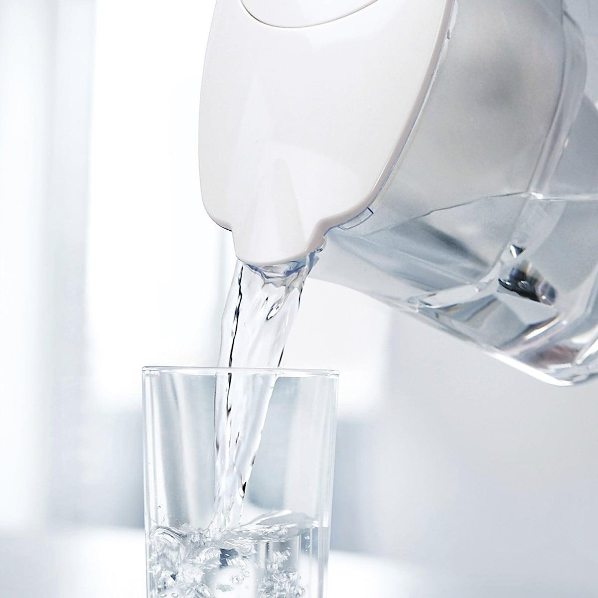Aqua Optima Liscia 2.5 L Water Filter Jug